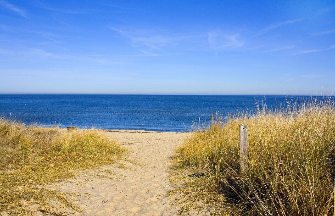 Affordable Beach Destinations in the USA for Families - Wellington World Travels   summer beach destinations   family summer vacation   #familytravels #travelwithkids