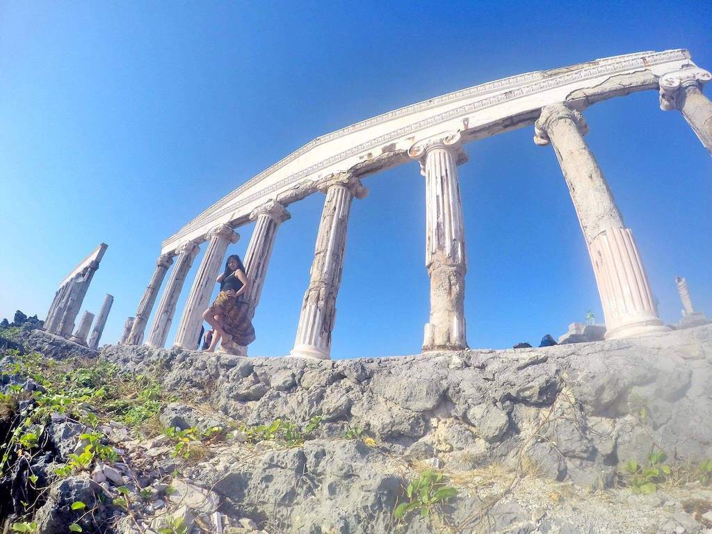 Ultimate Travel Guide To The Greece-inspired 'Fortune Island' in the Philippines - Wellington World Travels