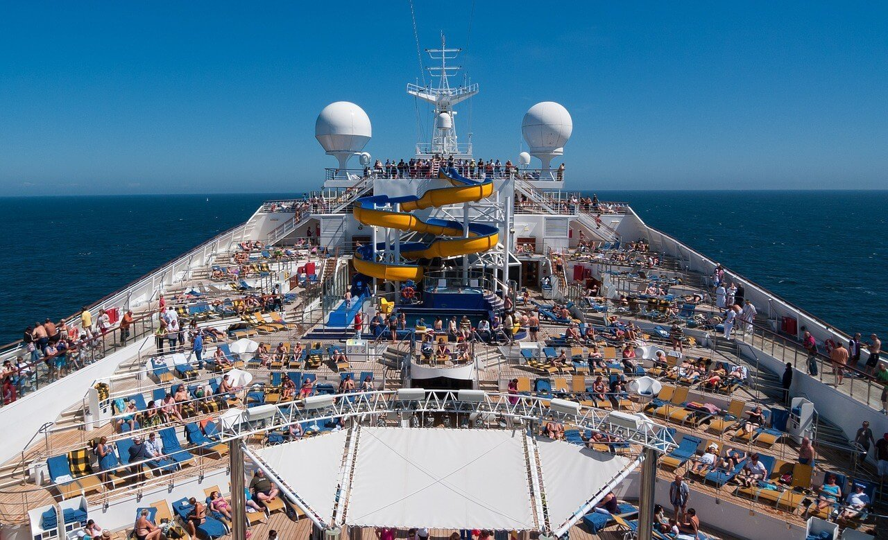 Cruise Tips for First-Timers - Wellington World Travels #cruisetips