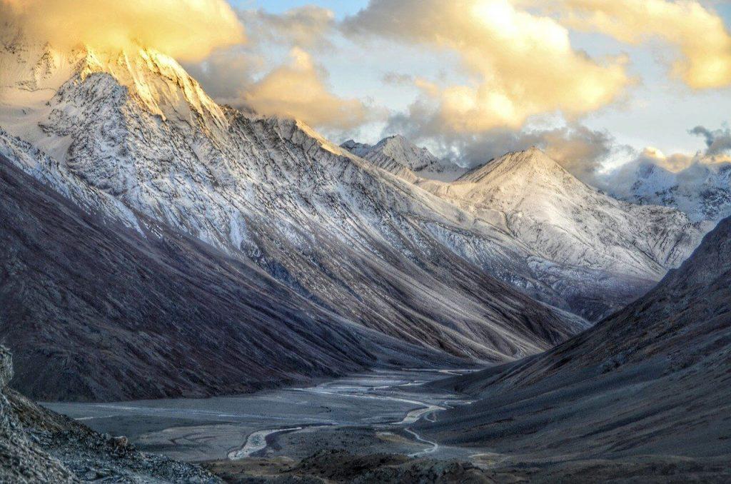 Best 7 Tourist Places in Himachal Pradesh during Snowfall Season - Wellington World Travels