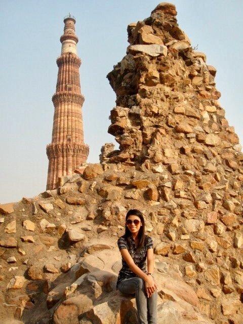 essay of qutub minar कुतुब मीनार पर निबंध (क़ुतुब मीनार एस्से) you can get below some essays on qutub minar in hindi language for students in 100, 150, 200, 250, 300, and 400 words.