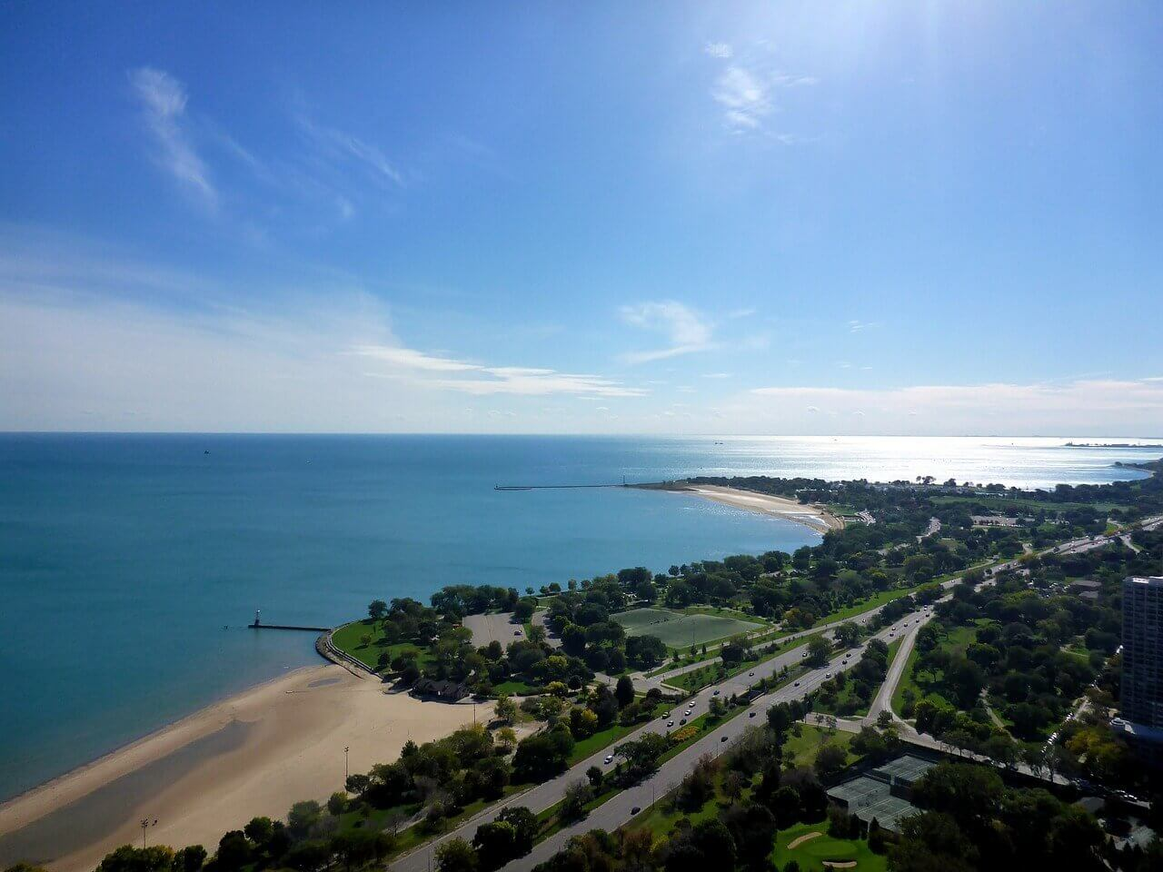 How to Plan a Romantic Getaway in South Haven - Wellington World Travels   romantic destinations   Michigan romantic getaway   South Haven romantic travel #coupletravel