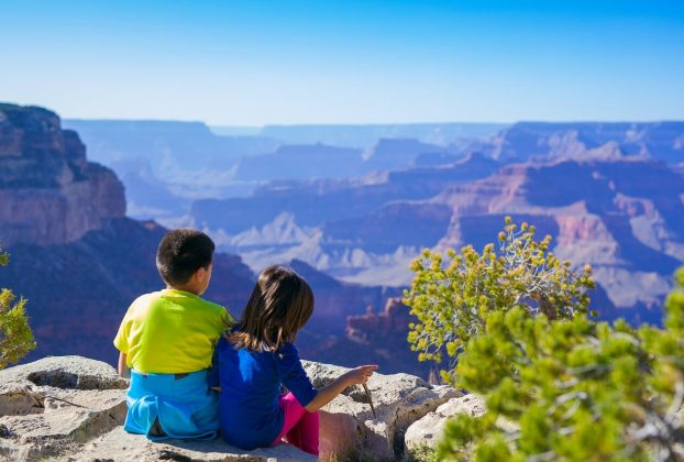 Tips for Safe Travel with Young Children - Wellington World Travels   safety tips   family safe travel   family travel tips   #familytravel #travelwithkids
