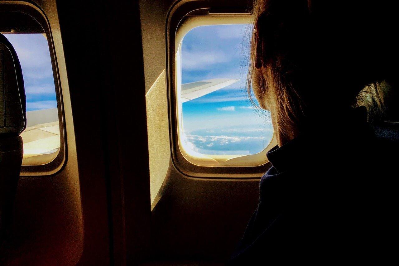 5 Tips to Help You Survive Long Travel Journeys - Wellington World travels | long haul flights | long travel #traveltips